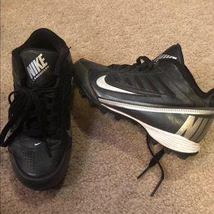 Nike cleats boys 2.5Y